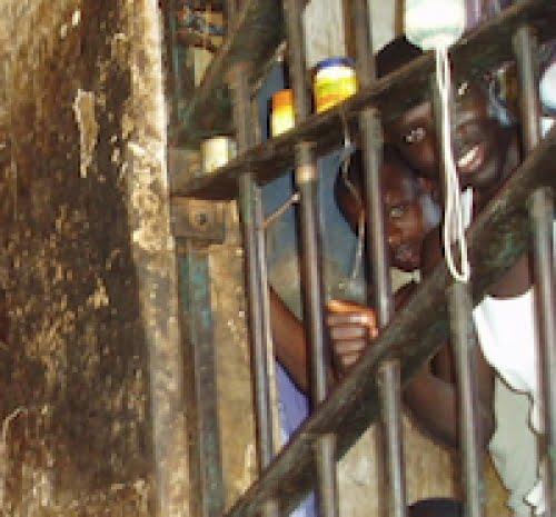 NIGERIA NOWE PRAWO ZA GWAŁT: MĘŻCZYZNA ZOSTANIE WYKASTROWANY, A KOBIECIE USUNĄ JAJOWODY